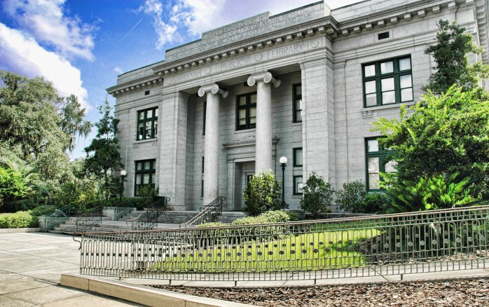6-Bull-Street_Library_Live-Oak_Public-Library_Front_Entrance_Facade_Historic_Savannah